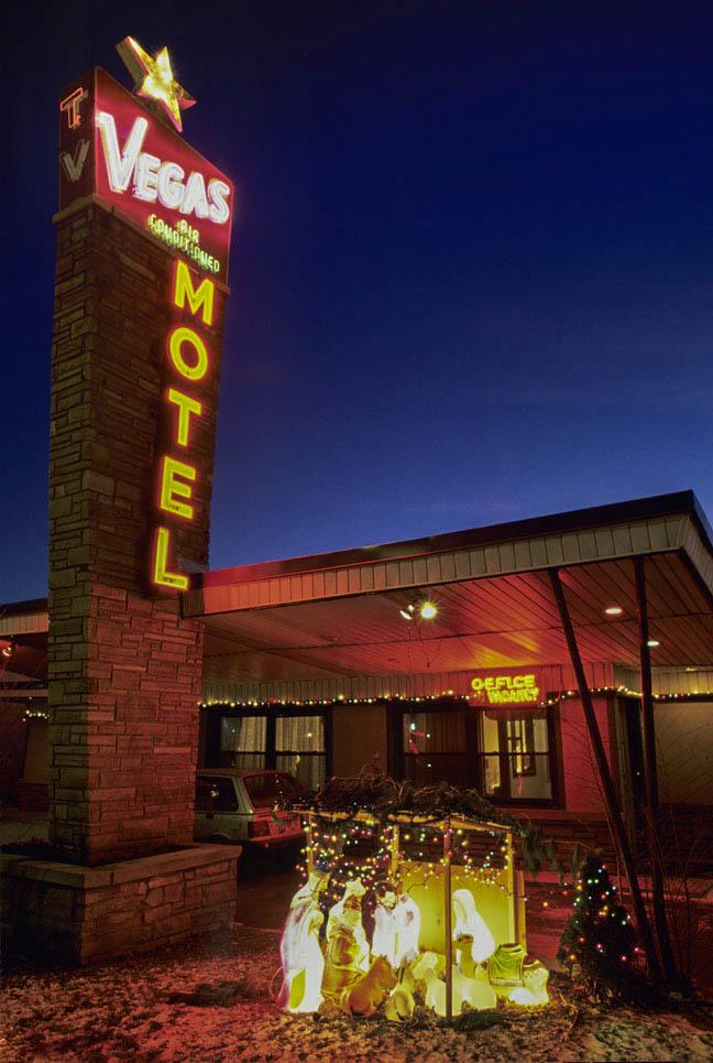 Vegas Motel Chicago color vert