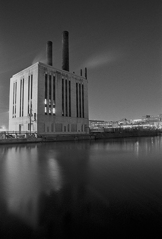 power plant at Roosevelt Road and the Chicago River © David Moenkhaus